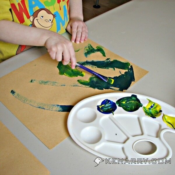 St. Patrick's Day Shamrock Craft for Toddlers and Kids - Kenarry.com