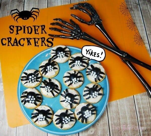 Spider Crackers - The Tip Toe Fairy - Halloween Fun Food Ideas on Kenarry.com