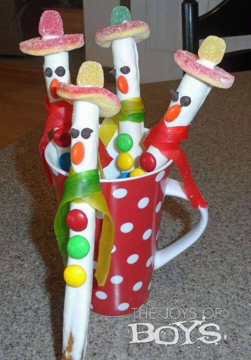 Snowman Pretzels - The Joys of Boys featured on Ideas for the Home by Kenarry®