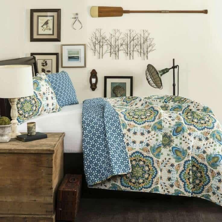 Bedroom ideas - Lush Decor Addington 3 Piece Quilt Set