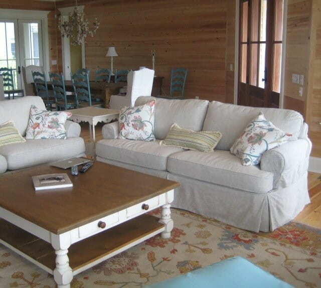 """Shabby chic living room example - """"Beach House Living,"""" copyright (c) 2009 PoshSurfside.com on Flickr and made available under an Attribution-ShareAlike 2.0 license"""