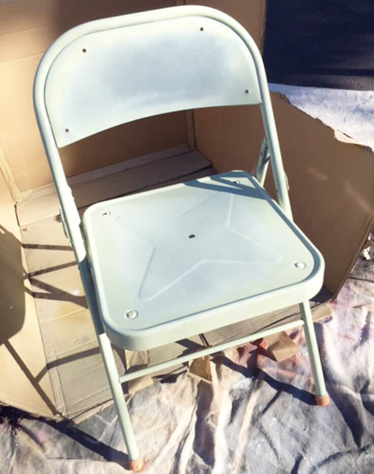 refinishing folding chair with spray paint