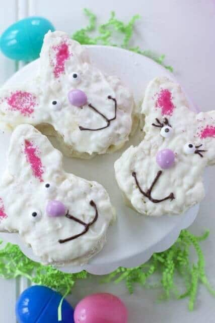 Easter Rice Krispie Treats - Close to Home featured on Kenarry.com