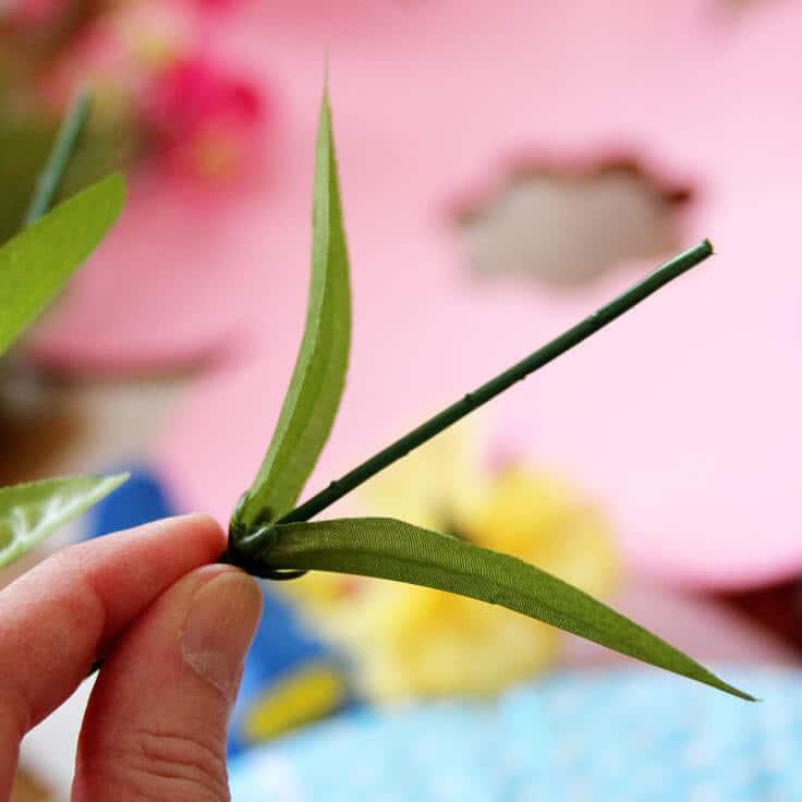 Spring-Wreath-sliding-leaves