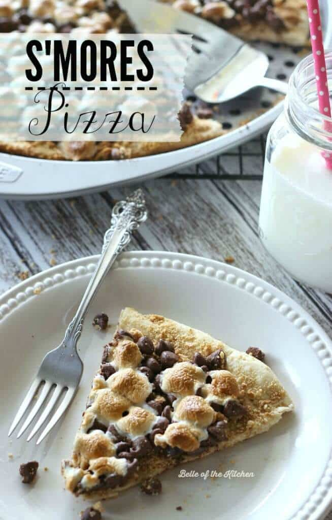 S'mores Pizza – Belle of the Kitchen - 18 delicious s'mores recipes featured on Kenarry.com