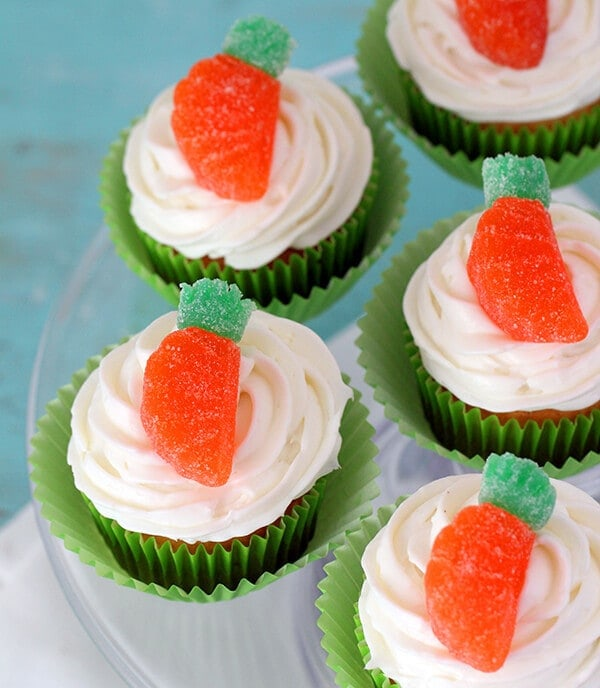 Easy Gumdrop Carrot Cupcakes - Cutefetti - Easter Desserts featured on Kenarry.com