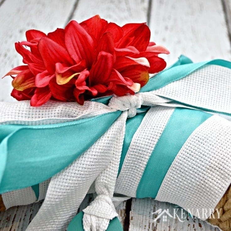 A red flower on the nautical wreath