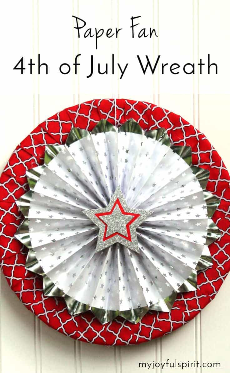 This 4th of July wreath is so easy and quick to make! This craft idea would be pretty and festive patriotic decor for Memorial Day, Labor Day or Veteran's Day too.