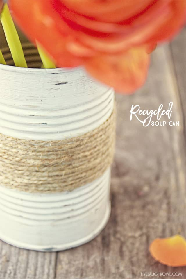 Rustic Twine Wrapped Vase – Live Laugh Rowe - Jute Craft Ideas / DIY Projects with Twine featured on Kenarry.com