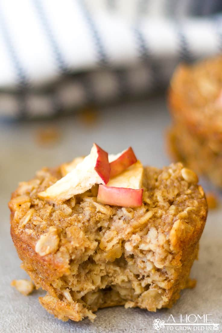 Baked Apple Pie Oatmeal muffins are a healthy treat or breakfast on the go that the whole family will love!