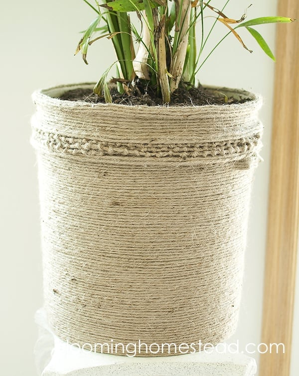 Jute Bucket Makeover – Blooming Homestead - Jute Craft Ideas / DIY Projects with Twine featured on Kenarry.com