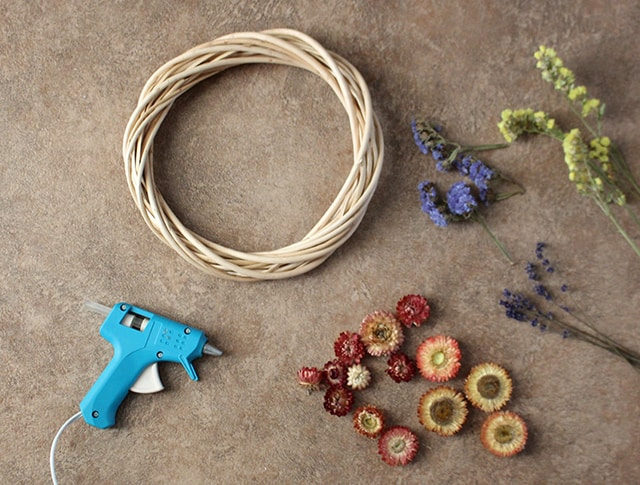 dried-flower-wreath-supplies