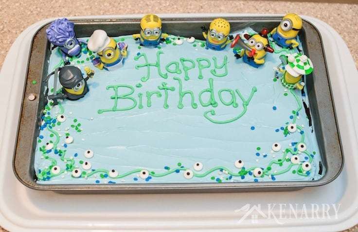 If you enjoy the Minions from the Despicable Me movies, you'll love this super easy Minions Birthday Cake idea for a kid's party.