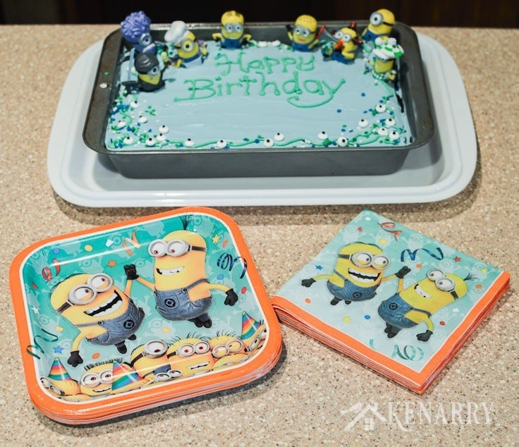 Minions paper plates and napkins go perfectly with this Minions Birthday Cake for a Despicable Me party.