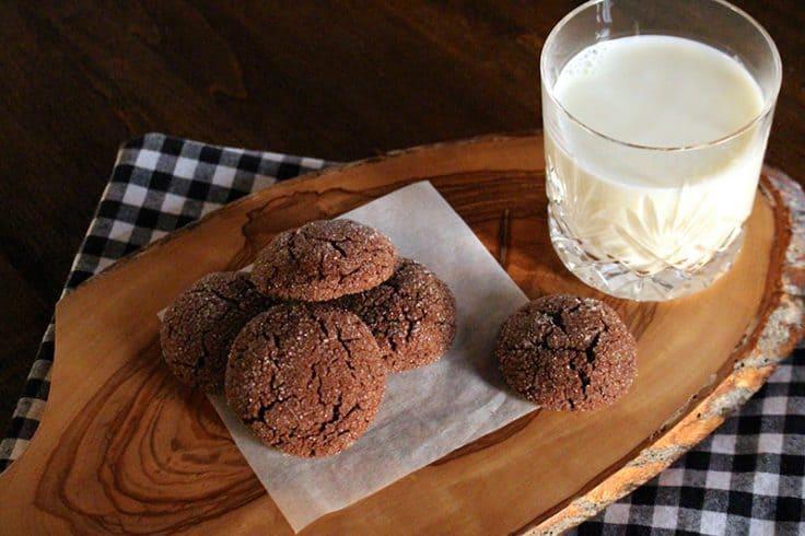 sparkly-chocolate-fudge-cookies-holidays