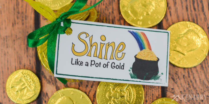 What says St. Patrick's Day more than rainbows and a pot of gold? These free printable treat tags are perfect for St. Patrick's Day party favors. They're colorful and fun for both kids and adults.