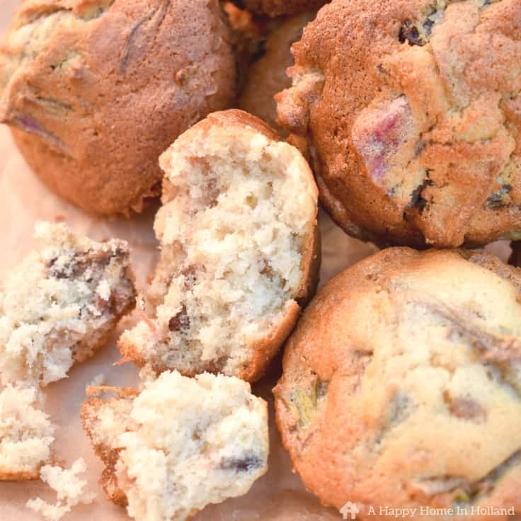 These rhubarb, raisin and ginger muffins are delicious served during an afternoon tea or at a family picnic.