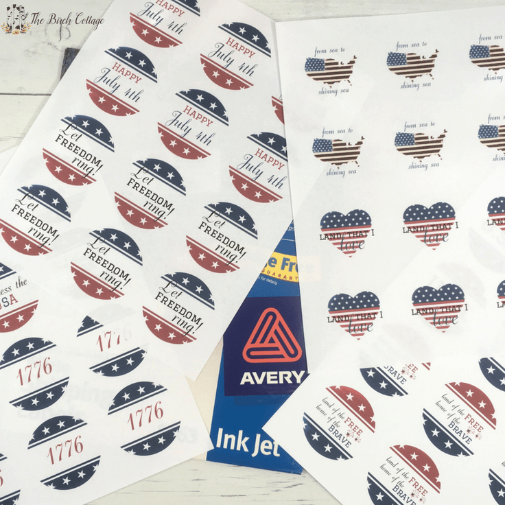 Patriotic Cupcake Toppers by The Birch Cottage #cupcake #freeprintables #4thofjuly #patriotic