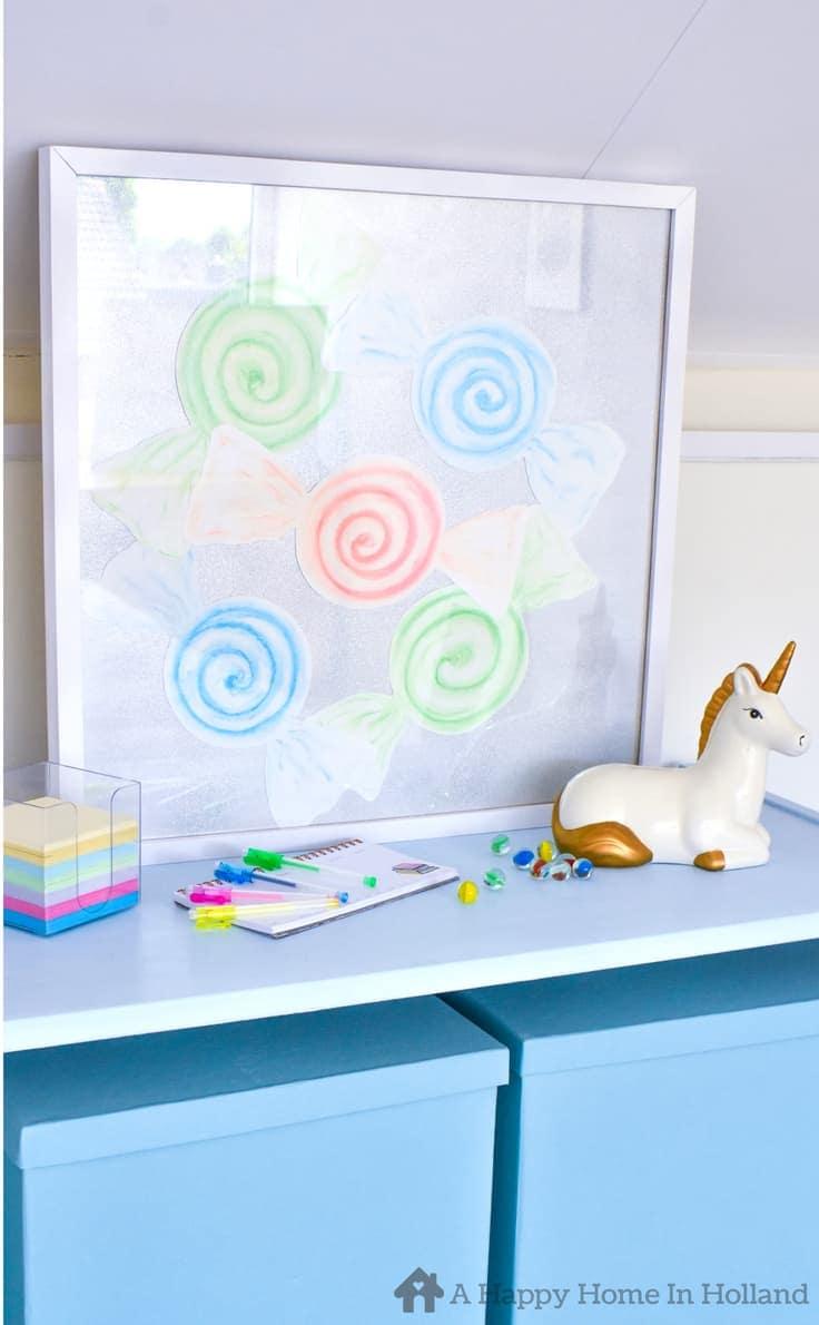 How to create fun Candy Swirl wall art using pastel chalks. #diywallart #girlsroom #diywalldecor