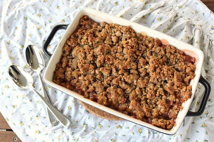 easy rhubarb crisp recipe in a baking pan