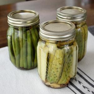 easy-garlic-dill-refrigerator-pickles