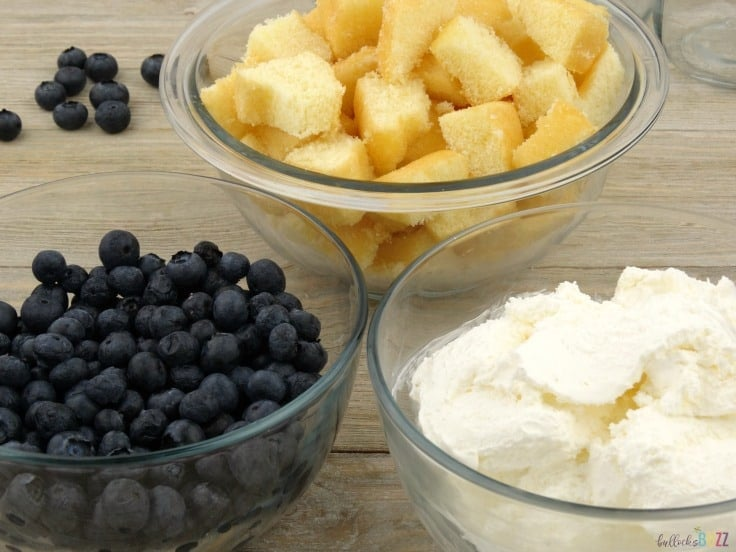 blueberry shortcake trifles ingredients - blueberries, angel food cake, whipped cream.