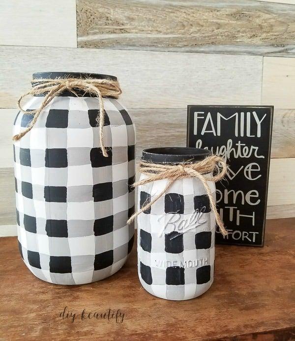 Painted Buffalo Plaid Mason Jars - DIY Beautify - See more easy DIY Buffalo Plaid Decor Ideas on Kenarry.com