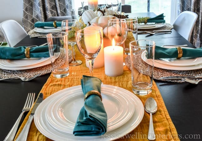 A fully-made thanksgiving table