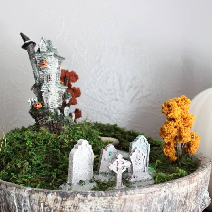 How to make a Halloween terrarium