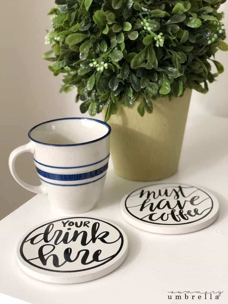Create your own hand lettered drink coasters with this super simple and easy tutorial. It includes step-by-step instructions plus the free download! These homemade coasters are the perfect gift this Christmas holiday season! #coasters #homemadegifts