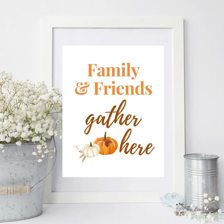Download your free Family & Friends Gather Here printable for an easy DIY to add a touch of fall to your home decor with some easy wall art decor ideas. #printablewallart #thanksgiving #kenarry