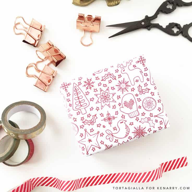 This unique, hand drawn printable Christmas wrapping paper design is a FREE download to help with your gift wrapping during this busy holiday season! #wrappingideas #christmas #kenarry