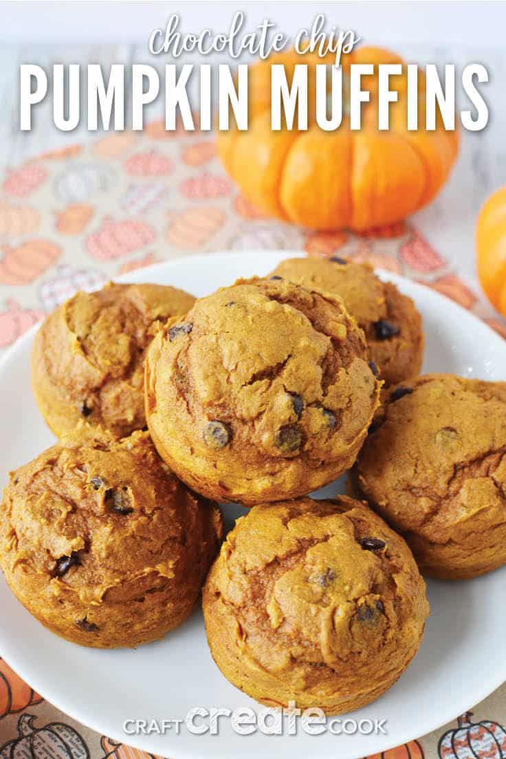 With the help of a box of cake mix, these chocolate chip pumpkin muffins are so easy to make, your family will certainly be asking for more! #pumpkinmuffins #breakfast #kenarry