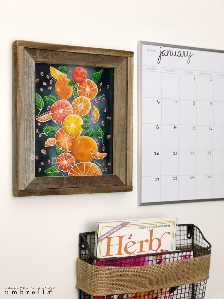 Create a custom citrus inspired kitchen sign with this FREE Printable Wall Art. Not only will it brighten up your kitchen, but will also inspire cheerful family gatherings! #kitchenart #freeprintables #kenarry