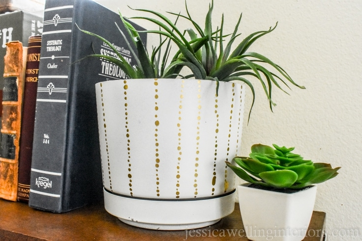 image of DIY modern indoor plant pot with dot pattern.