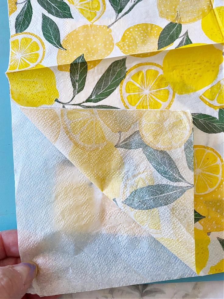 Separating the lemon napkins.